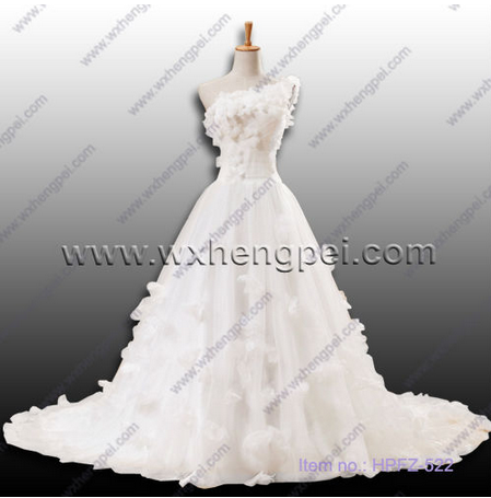 handmade flowers wedding dress
